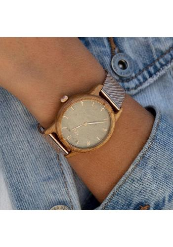 Dámske drevené hodinky s koženým remienkom v čiernej farbe