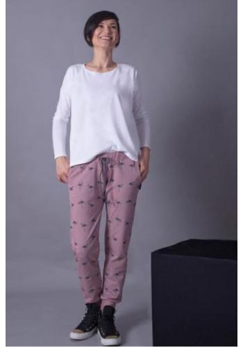 Dámske bavlnené tepláky s motívom plameniakov v práškovo ružovej farbe
