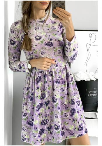 Fialové zamatové šaty s motívom kvetov pre dámy