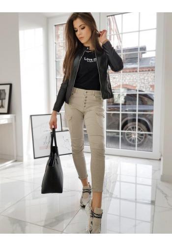 Dámska koženková bunda so stojacím golierom v čiernej farbe