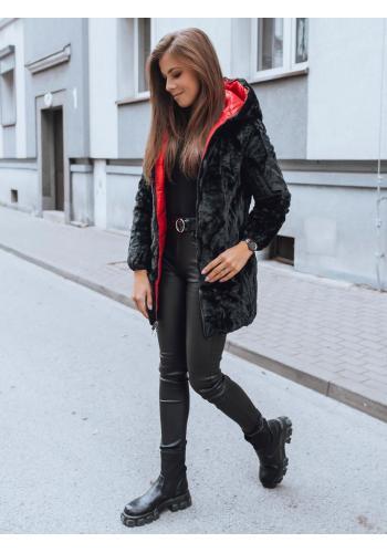 Dámska prešívaná bunda s neodopínacou kapucňou v červenej farbe