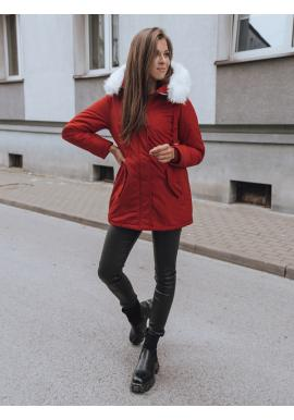 Dámska zimná parka s kapucňou v červenej farbe