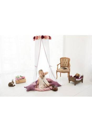 Detský baldachýn s farebnými strapcami v bielej farbe