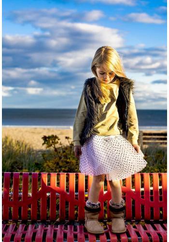 Dievčenská vesta z ekologickej kožušiny svetlohnedej farby