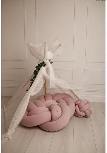 Zamatový vankúš uzlík ružovej farby