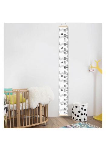 Biely závesný meter do detskej izby