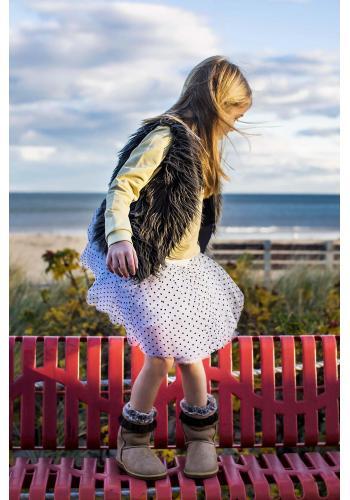 Dievčenská tylová sukňa v strieborno sivej farbe