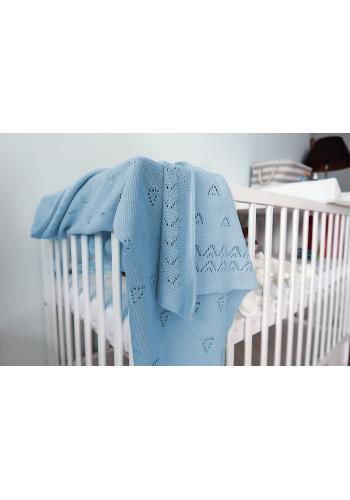 Modrá pletená deka