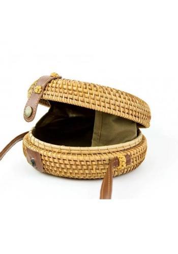 Dámska okrúhla prútená kabelka v hnedej farbe