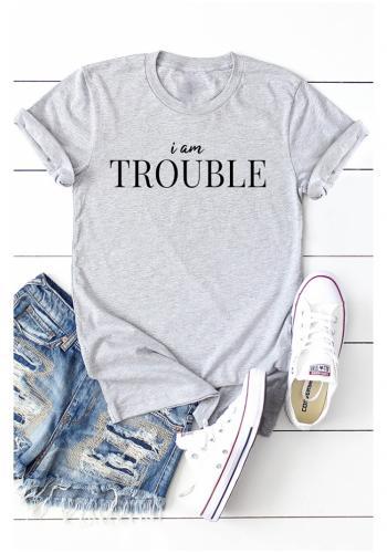 """Sivé klasické tričko s nápisom """"IM TROUBLE"""" pre dámy"""
