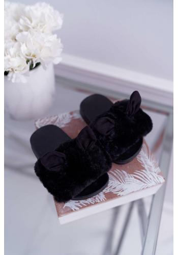 Čierne kožušinové šľapky s ušami pre dievčatá