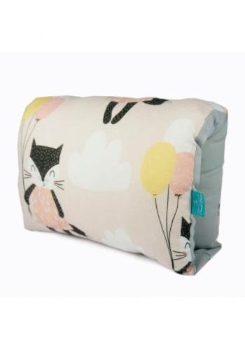 Bambusový dojčiaci vankúš v béžovej farbe - mačka