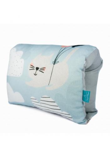 Bambusový svetlo modrý dojčiaci vankúš - mačka