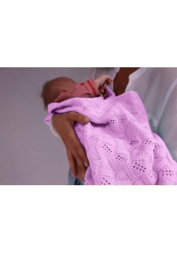 Pletená deka s jemnou väzbou - svetlo ružová
