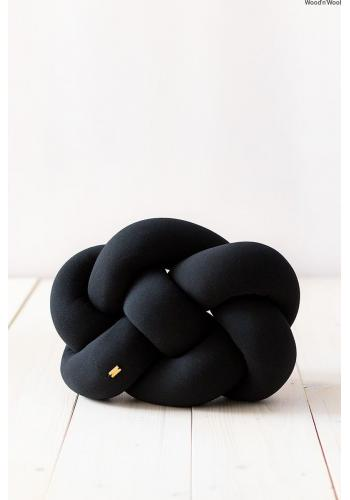 Čierny ozdobný vankúš uzlík