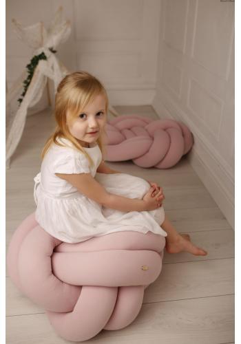 Vankúš uzlík na sedenie v púdrovo ružovej farbe
