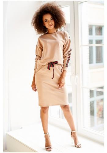 Dámsky komplet bavlnenej sukne s vreckami a mikinou s pruhmi v béžovej farbe