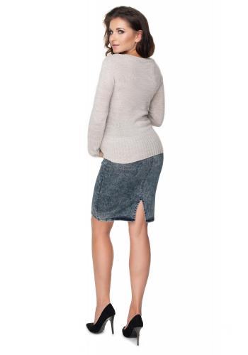 Dámsky klasický sveter v béžovej farbe