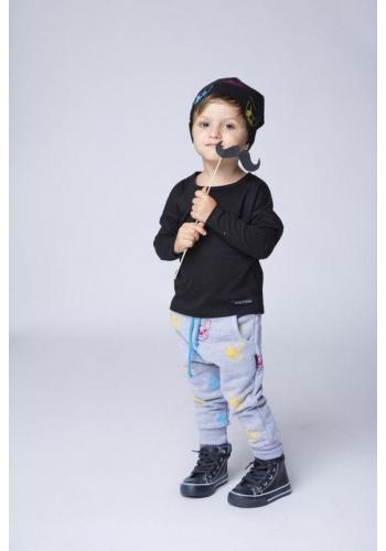 Čierna dvojstranná čiapka s potlačou farebných psov pre deti