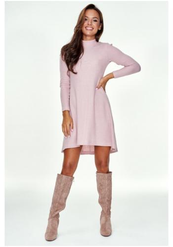 Púdrové šaty s polorolákom a mierne rozšíreným dnom pre dámy