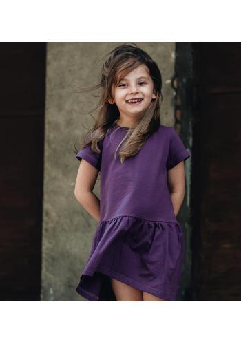 Fialové dievčenské šaty s krátkym rukávom