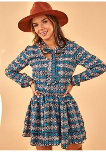 Farebné mini šaty s potlačou a viazaním okolo krku pre dámy