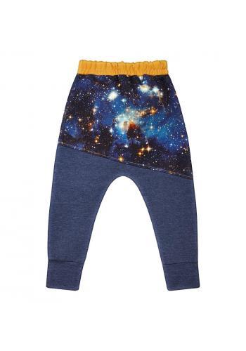 Tmavo modré bavlnené tepláky pre chlapcov s motívom vesmíru