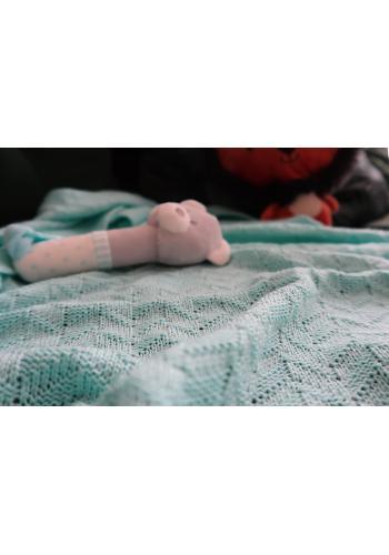Mätová pletená deka s jemnou väzbou