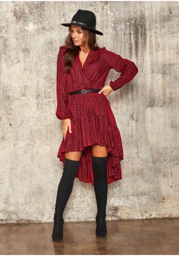 Dámske kárované šaty v červeno-čiernej farbe s výstrihom a volánikmi na sukni