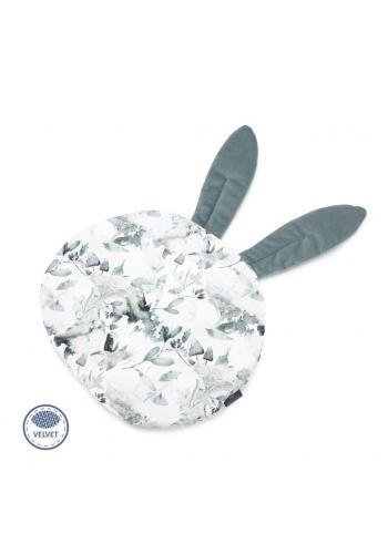 Zamatový vankúš s ušami v bielej farbe s motívom šalvie zelenej