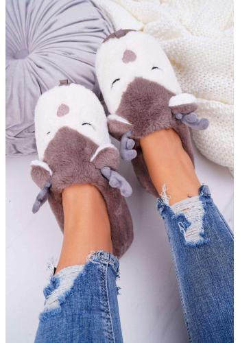 Dámske kožušinové papuče so sobmi v hnedej farbe