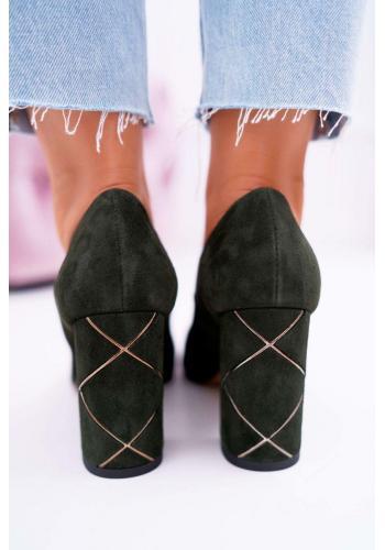 Semišové dámske lodičky zelenej farby na zdobenom podpätku