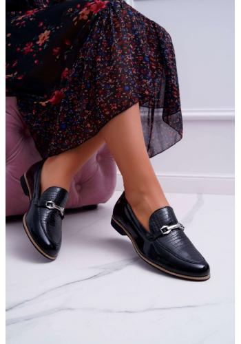 Lakované dámske mokasíny čiernej farby s ozdobou