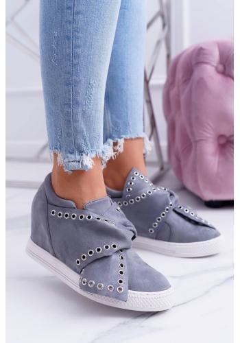Semišové dámske Sneakersy sivej farby so striebornými očkami