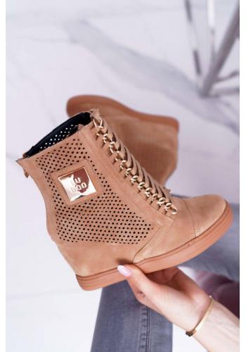 Dámske ažúrové Sneakersy s retiazkami v hnedej farbe