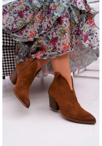 Dámske semišové topánky na podpätku v hnedej farbe