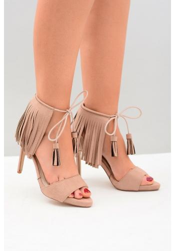 Dámske semišové sandále na štíhlom opätku so strapcami v béžovej farbe