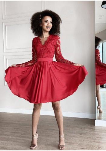 Červené rozšírené šaty s čipkovým topom