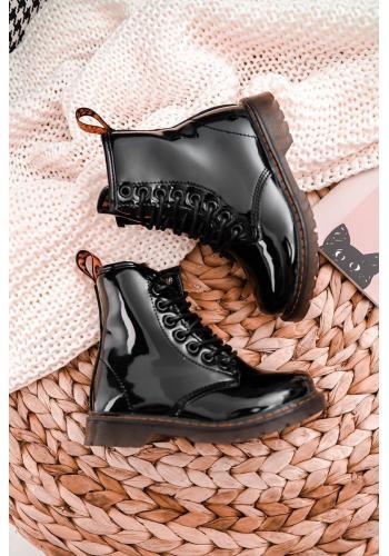Lakované detské čižmy čiernej farby