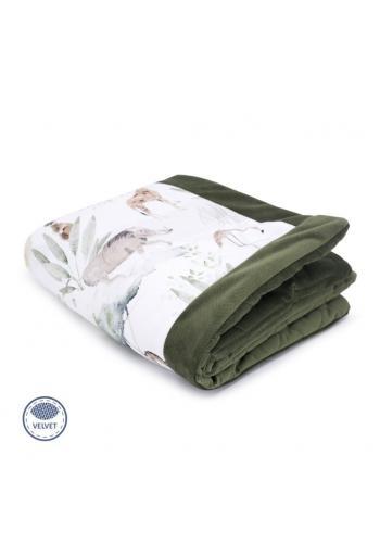 Detská teplá zamatová deka zelenej farby s motívom Savany