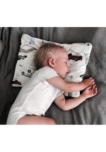 Malý zamatový detský vankúš s motívom opíc