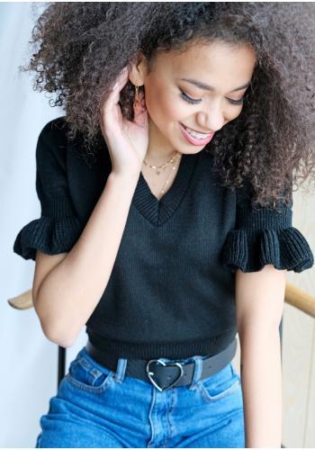 Krátky čierny bavlnený sveter s V výstrihom a volánmi na rukávoch