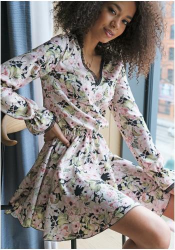Čierne jarné kvetinové šaty pre dámy