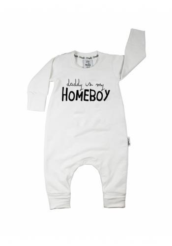 """Detský overal s dlhým rukávom a nápisom """"daddy is my homeboy"""" v bielej farbe"""