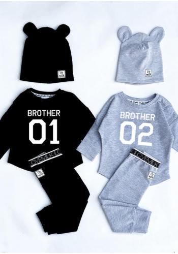 """Chlapčenská tepláková mikina s nápisom """"brother 01"""" v čiernej farbe"""