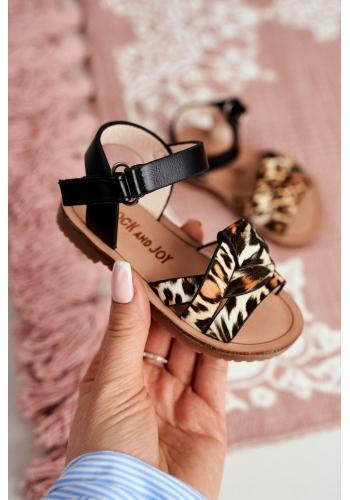 Dievčenské sandále s leopardím vzorom v čiernej farbe