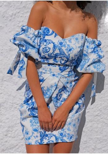Biele korzetové šaty s modrou potlačou s odhalenými ramenami