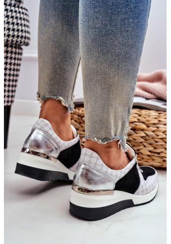 Vzorované dámske Sneakersy bielo-čiernej farby na klinovom opätku