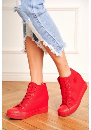 Dámske plátené Sneakersy na skrytom opätku v červenej farbe