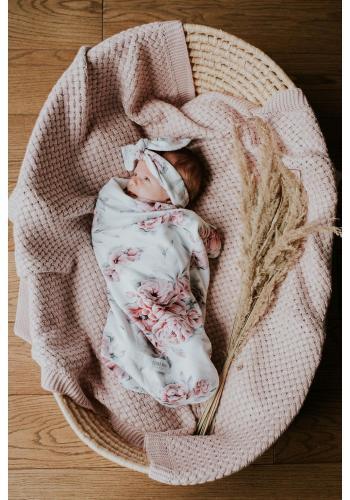 Vreckový kokon pre bábätka s motívom ružových kvetov + čiapka a čelenka